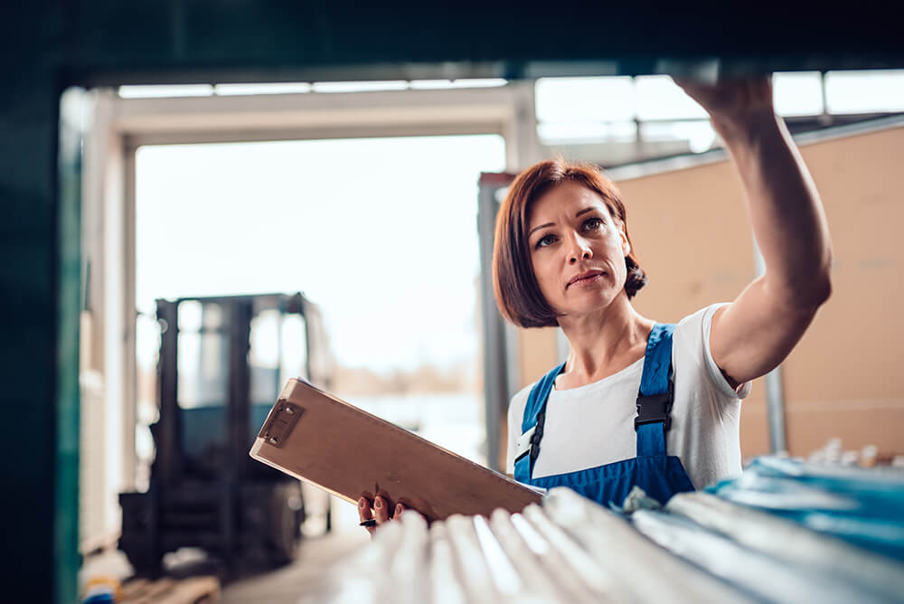 warehouse manager role and duties